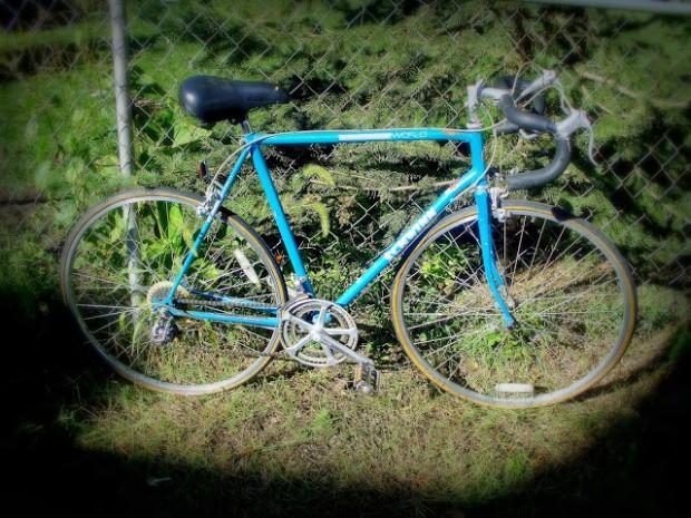 Blue '69 Schwinn World Soft Focus Vignette #1